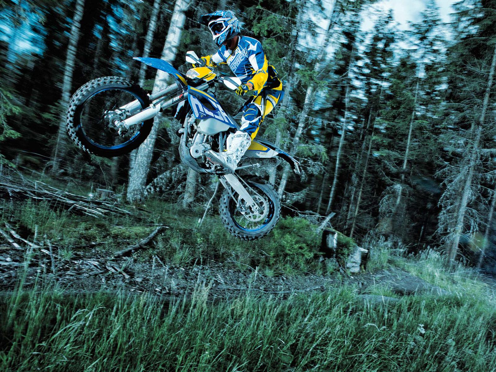 Motorcycle Insurance information | 2014 Yamaha Bolt R-Spec