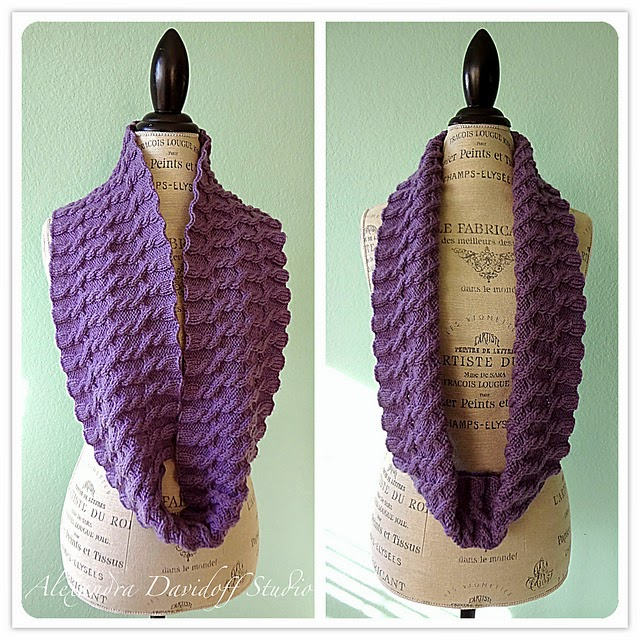 http://www.ravelry.com/patterns/library/anastasia-infinity-scarf