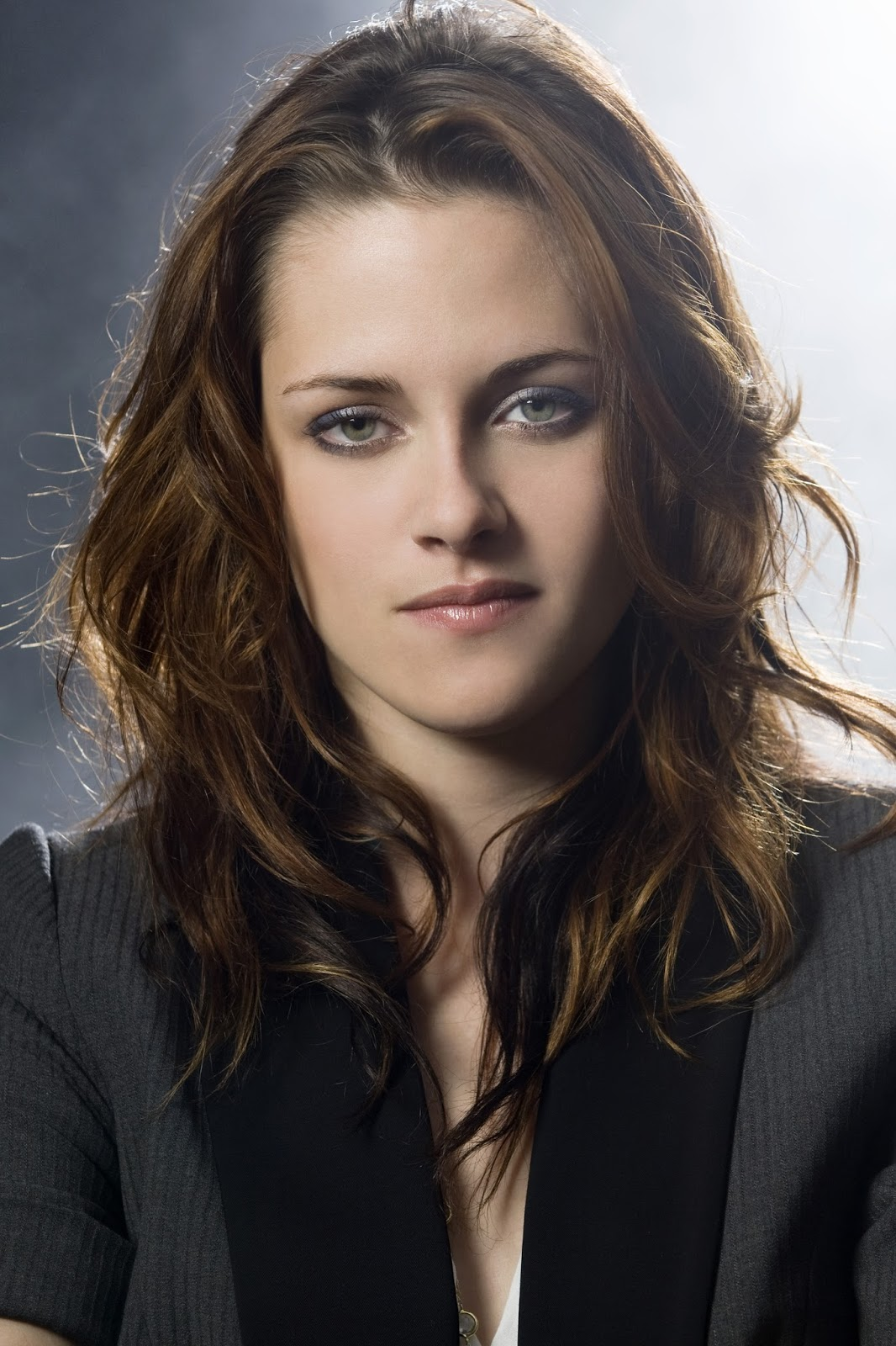 Actress kristen stewart twilight portraits for usa for The stewarts