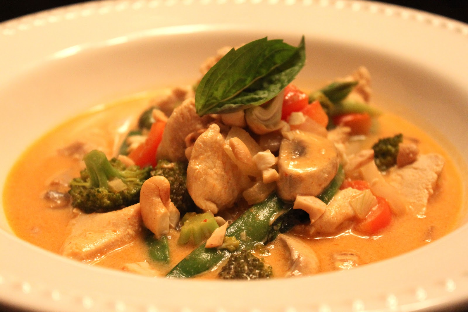 Explore Love Eat: Thai Coconut Chicken Curry