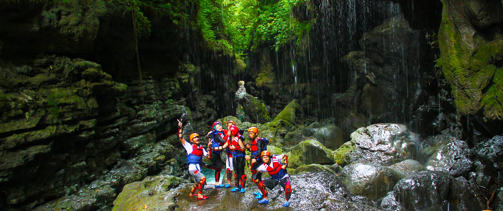 Pemandian Puteri Green Canyon, Lokasi Favorit Pengunjung Untuk Selfi.