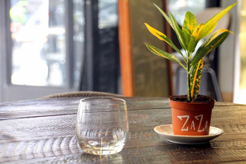 Happy Us Book - Restaurant Zaza