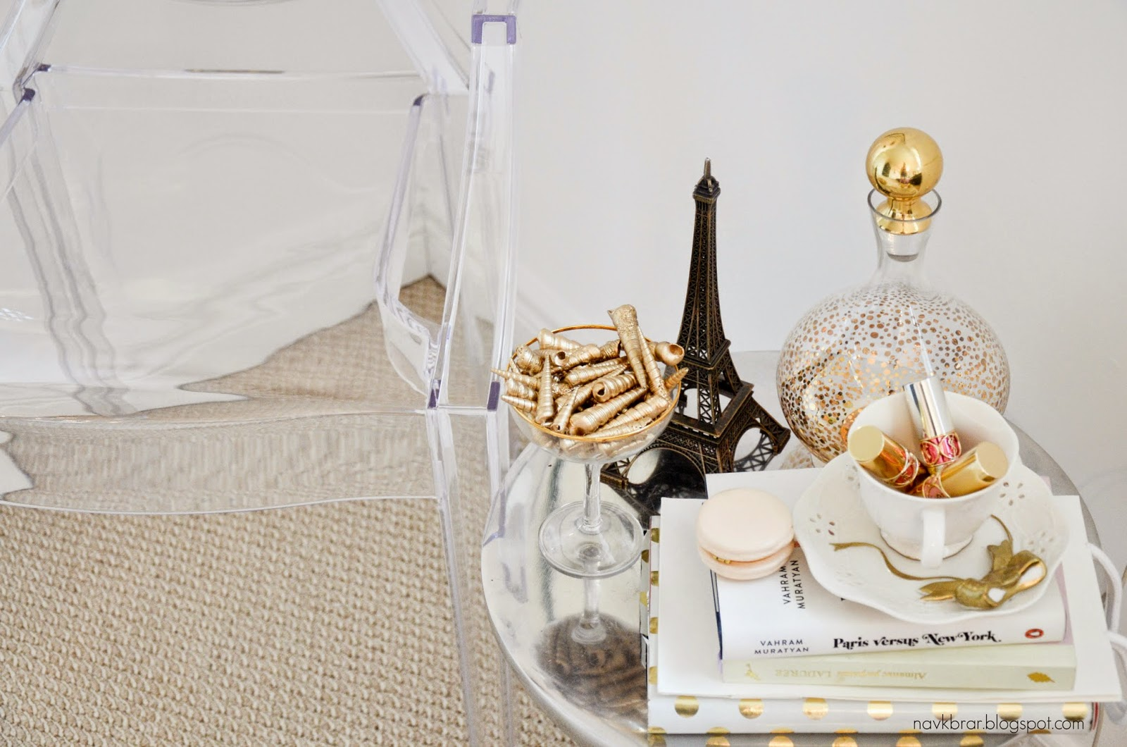 White and gold home decor with Louis Ghost chair from structube