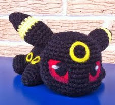 http://aphid777.deviantart.com/art/Baby-Umbreon-with-pattern-445647019