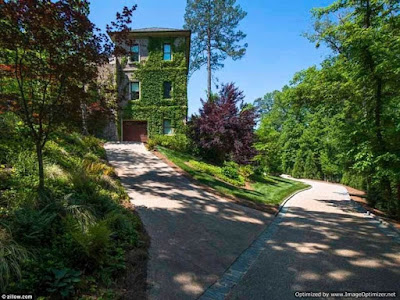Inside Tyler Perry's $25m Mansion 6