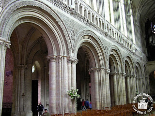 http://lafrancemedievale.blogspot.fr/2015/05/bayeux-14-cathedrale-notre-dame_19.html