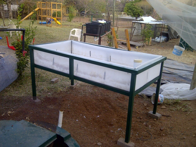 Aquaponics grow bed depth pictures to pin on pinterest for Hydroponic bed liner
