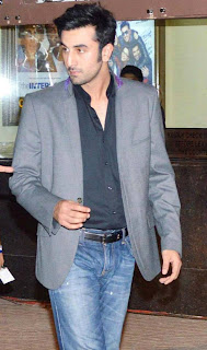 Deepika, Ranbir Kapoor and Celbs at Yeh Jawaani Hai Deewani Screening -2