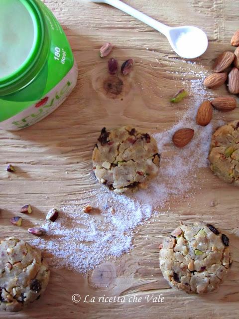 biscotti alle mandorle, pistacchi e uvetta (senza glutine, senza lattosio e senza zucchero saccarosio)