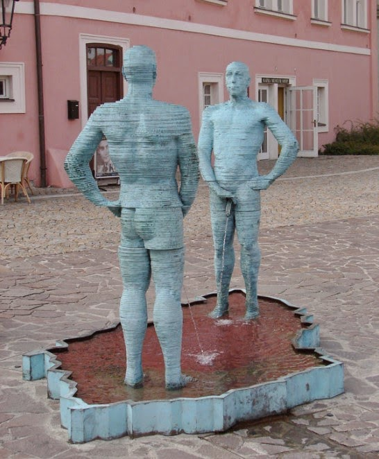 Two Peeing Guys by David Cerny