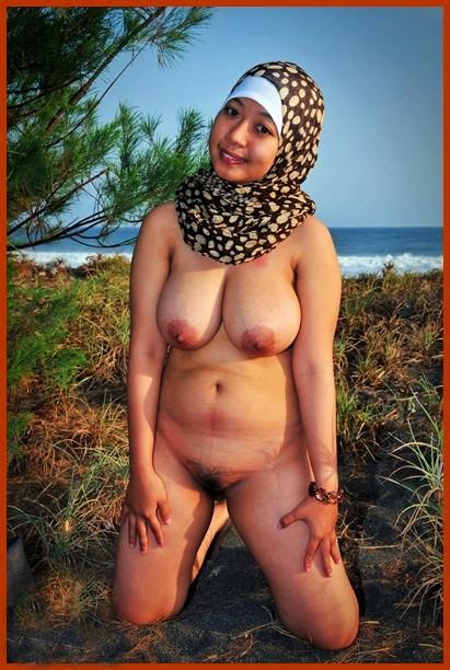 Sexy Hijab Babes Nude