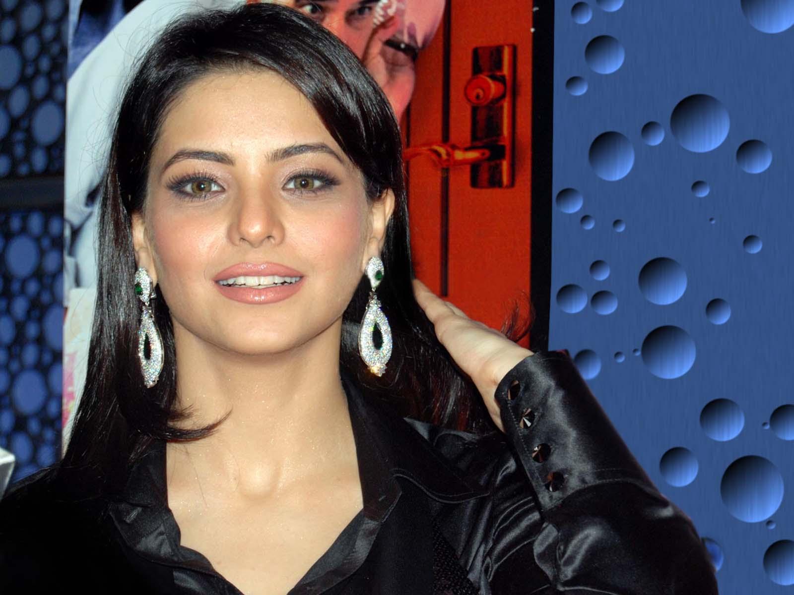 http://3.bp.blogspot.com/-GGjVQaSBe9U/TaMFsRxwCuI/AAAAAAAAGbk/q_zZyOEMomE/s1600/Amna-Sharif-15.jpg