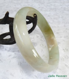 https://jadeheaven.com/collections/heavenly-vintage-jadeite-bangle-bracelets