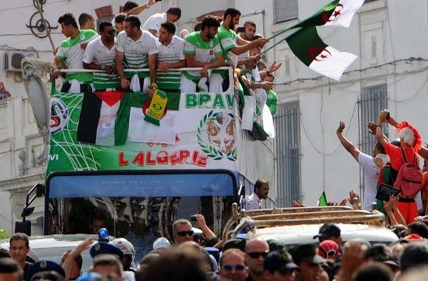 Sikap Terpuji Pasukan Algeria Yang Mendermakan Wang Kepada Penduduk Gaza (6 Gambar)