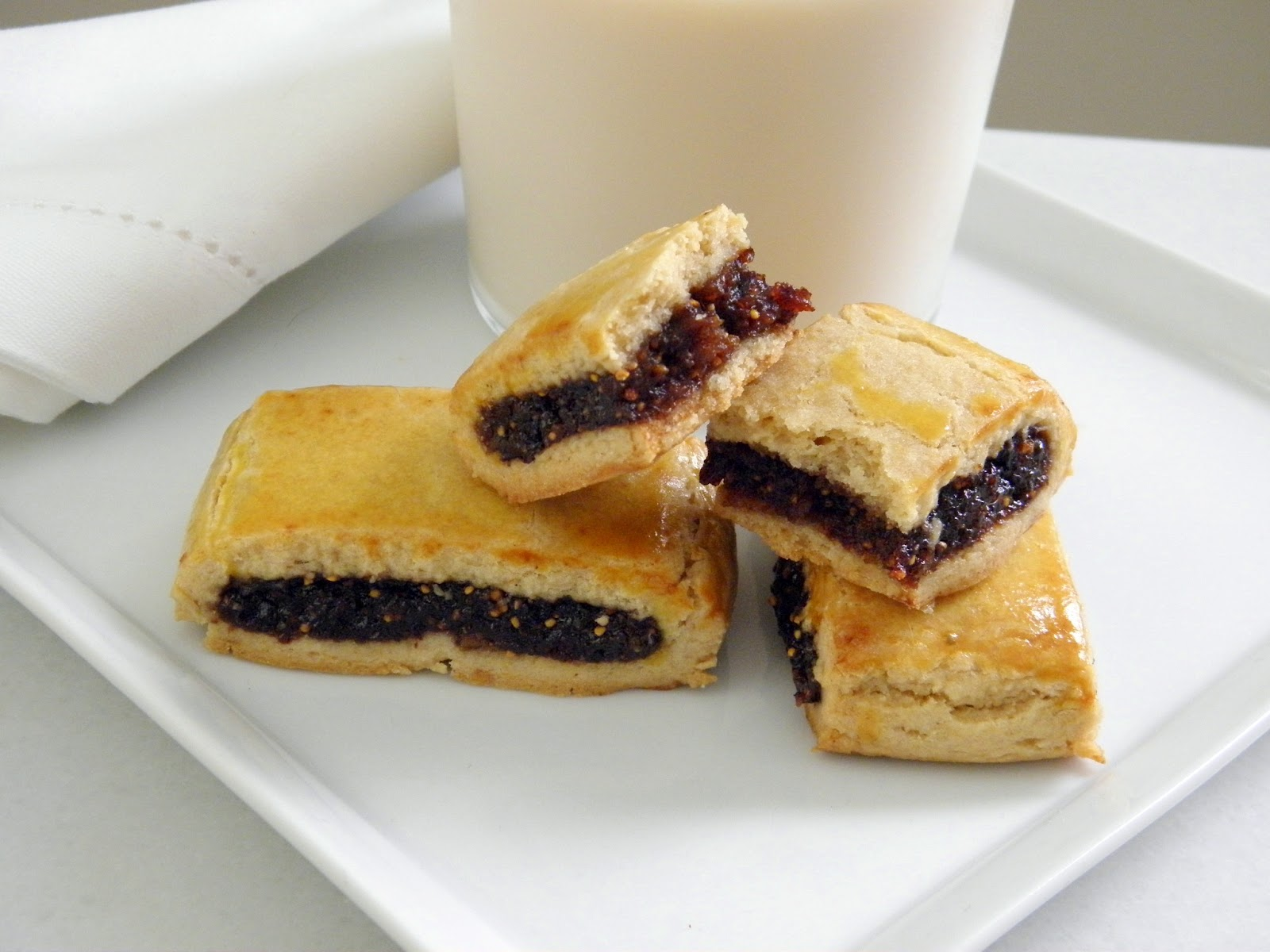 Fig Bar Cookies are perfect with some cold milk. They're also good ...