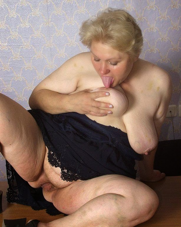 blonde granny with fat pussy and hanging boobs
