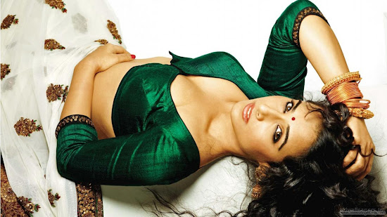 Vidya Balan Wallpaper in Dirty Picture