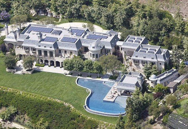As the Dailymail.co.uk report, the 34 year-old already have an over 14, 000 square foot mansion at Brookline, Massachusetts.