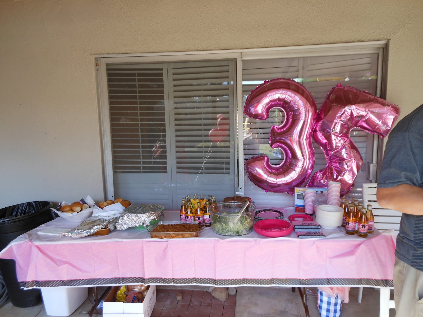 I love that story charne 39 s fabulous 35th birthday bash for 35th birthday decoration ideas