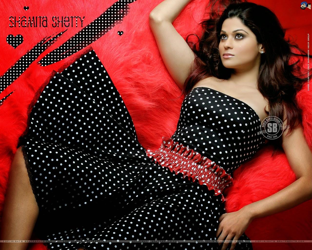 Koleksi Foto Shamita Shetty Terseksi 12