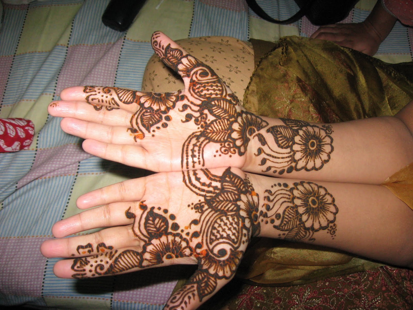 Latest Henna Mehndi Design : Latest mehndi design arabic pictures