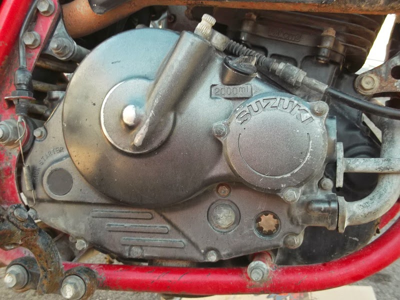 Desmontando tapa del motor