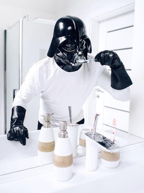 Darth Vader пред огледалото