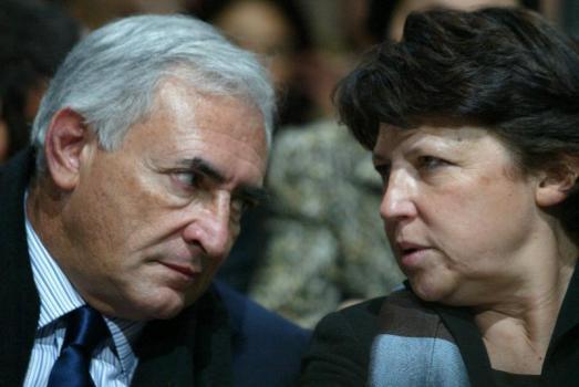 DSK en course pour 2012, Aubry renonce