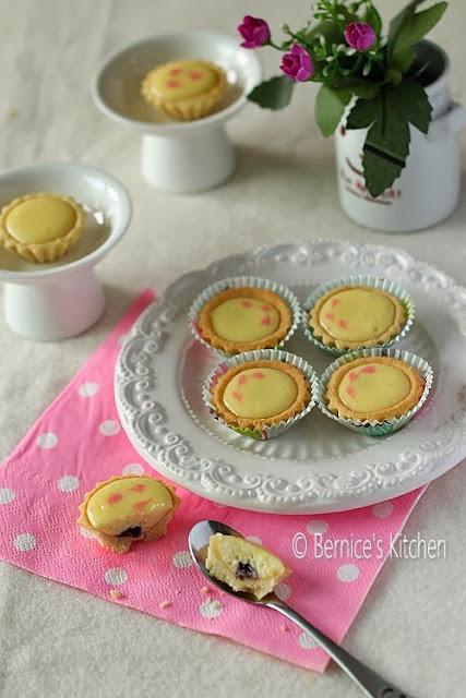 mini blueberry cheese tarts & fruit tarts