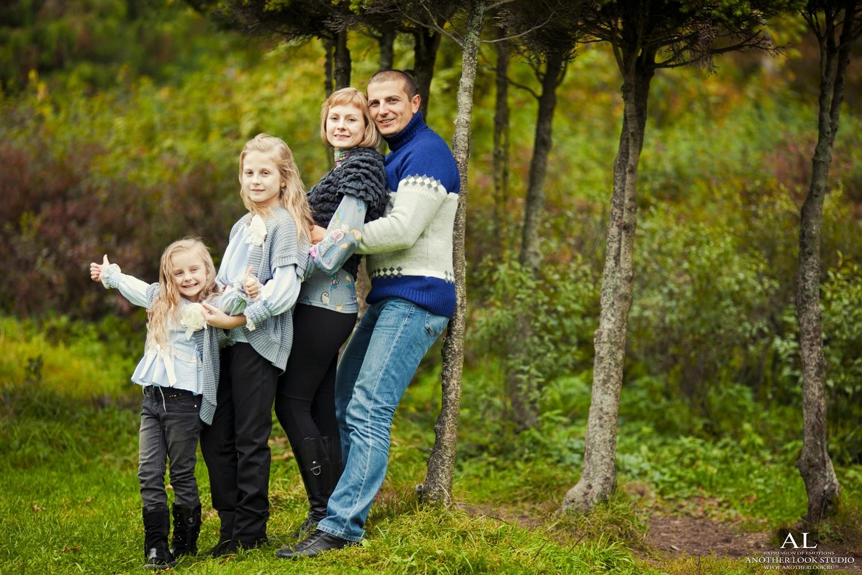 семейная фотосессия на природе в парке