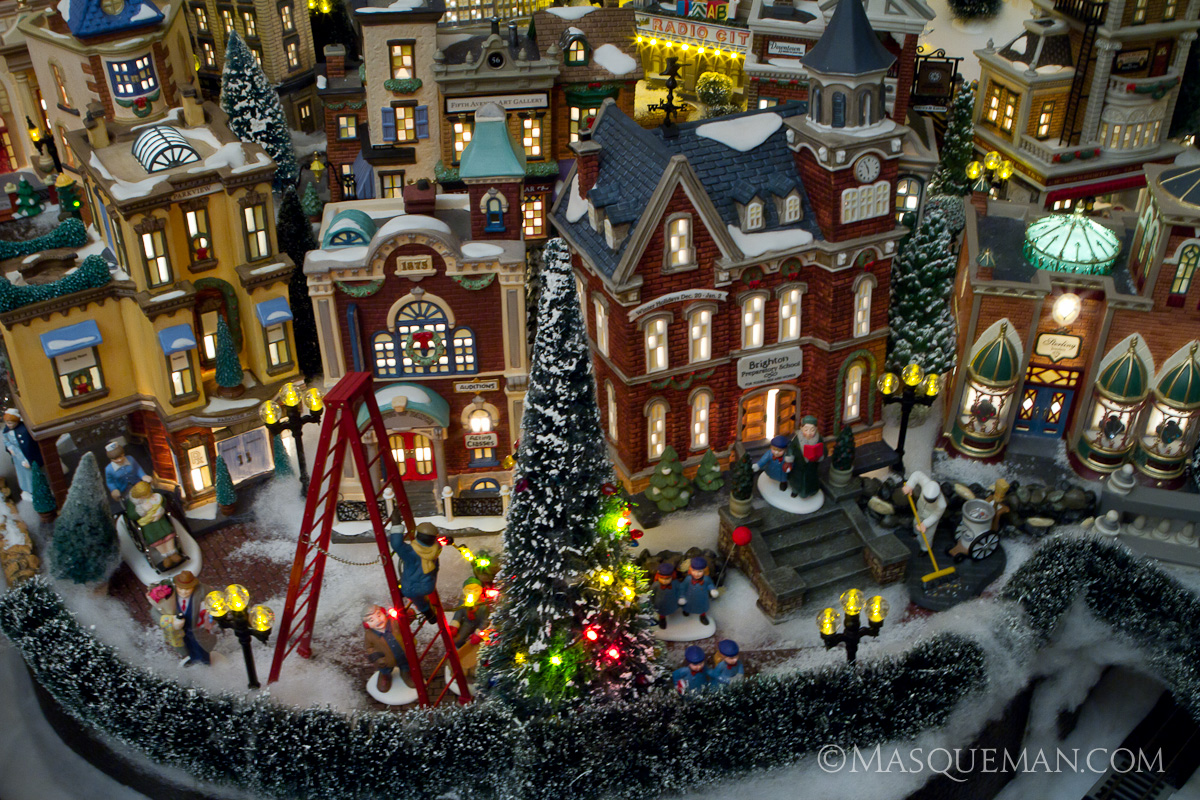 Photographing a Miniature Christmas City by Department 56 ...