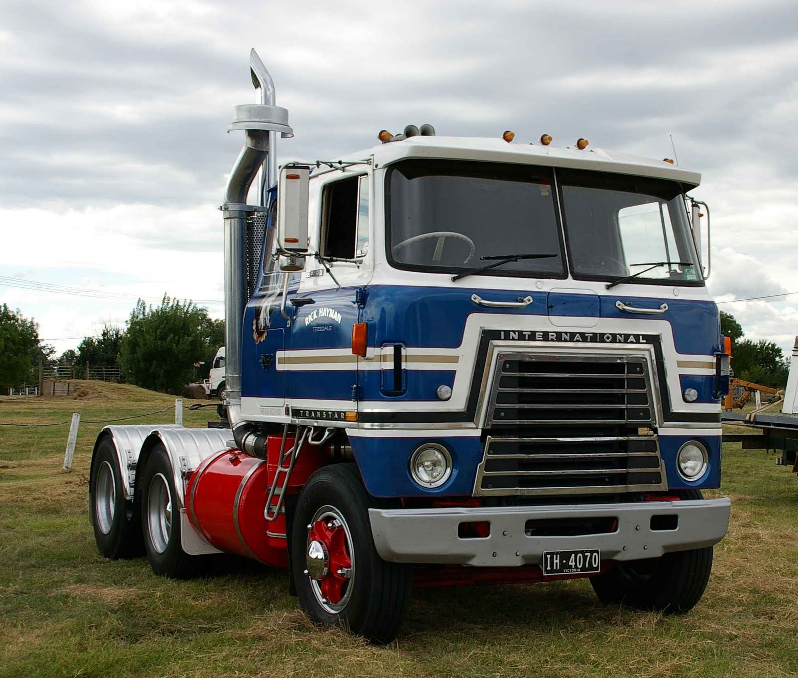 1965 White 4000 Semi Tractor : Imcdb international harvester co in