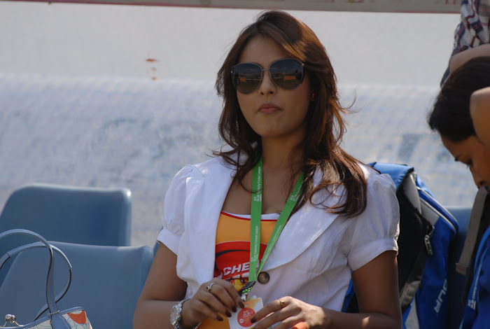 madhu shalini at chennai rhinos vs kerala strikers match latest photos