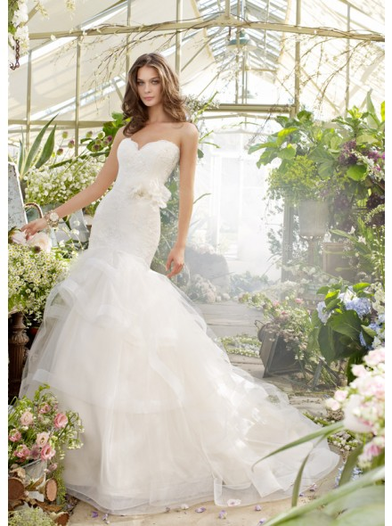 http://www.landybridal.co/drop-waist-sweetheart-chapel-train-wedding-dress-h7jc0055.html