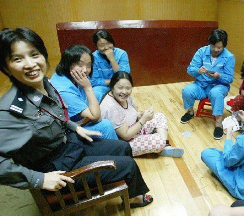Bercinta Dengan Tahanan Hingga Hamil 6 bulan