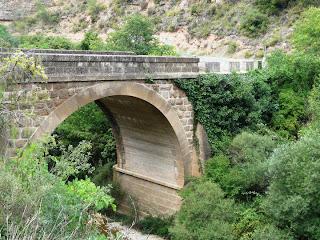 Puente sobre el río Isuala (Alberuela de Laliena)