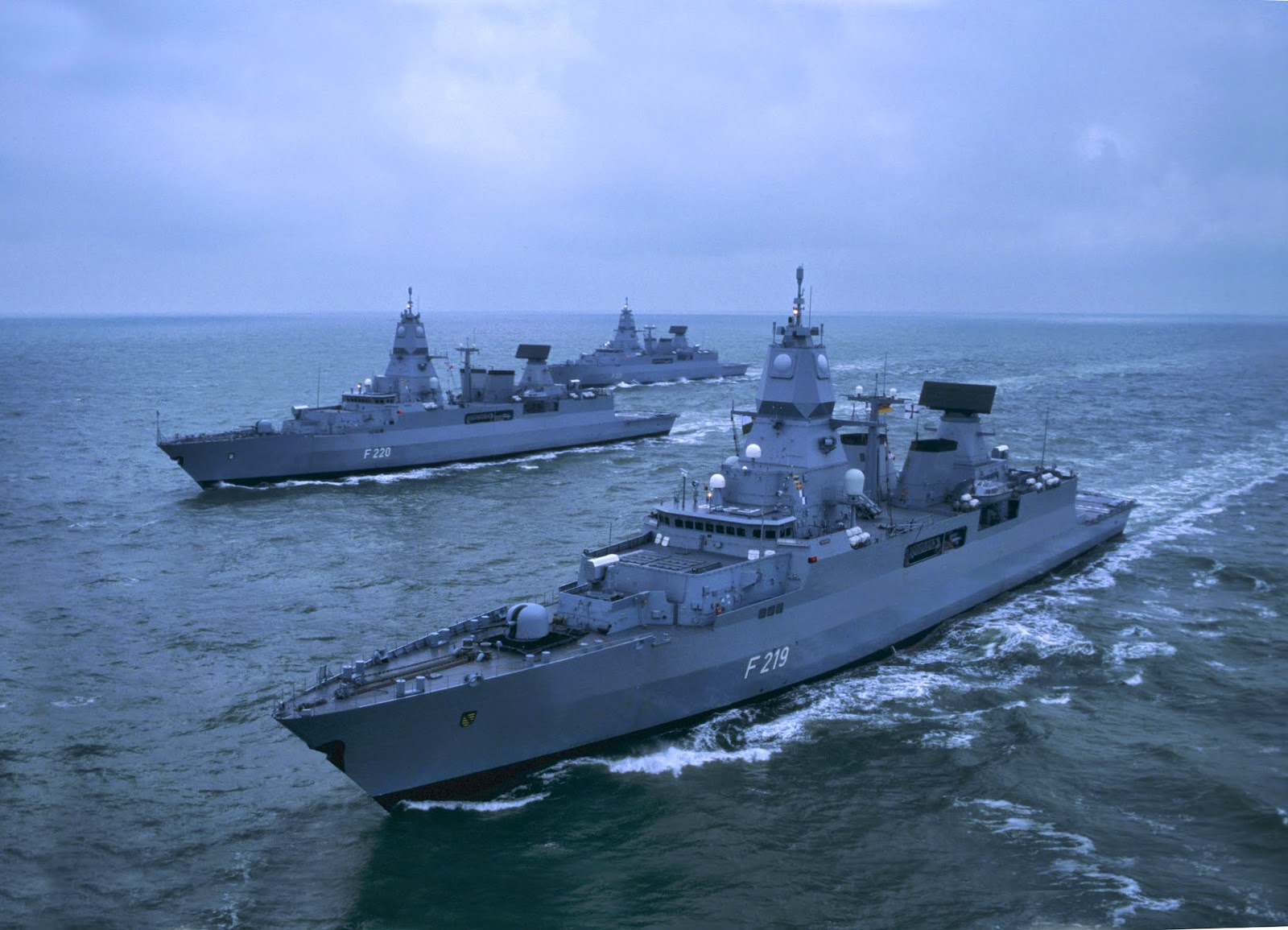 marine one helicopter with Sachsen Class Frigates Of German Navy on File marine one 2005 likewise Shi recked Supertankers Bulk Carriers also 599735 further 998 in addition F 14 Tomcat.