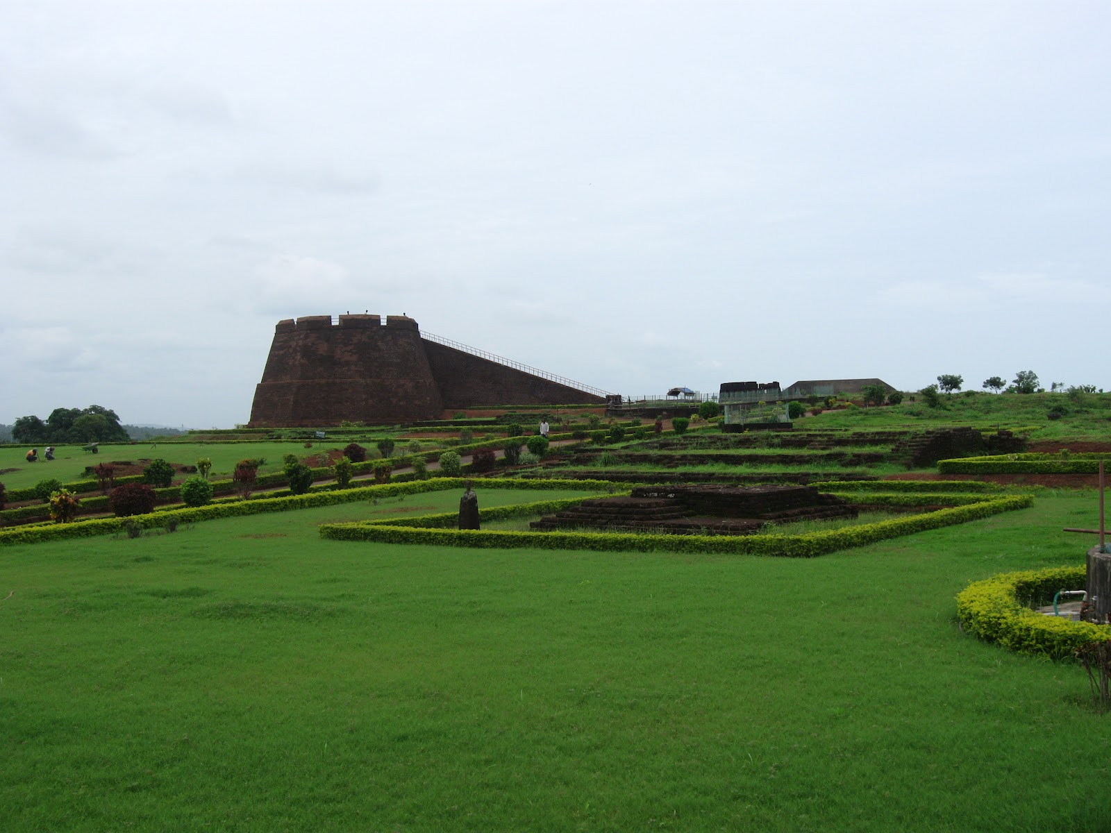 Bekal India  city photos gallery : Bekal Fort is the largest and best preserved historical places in...