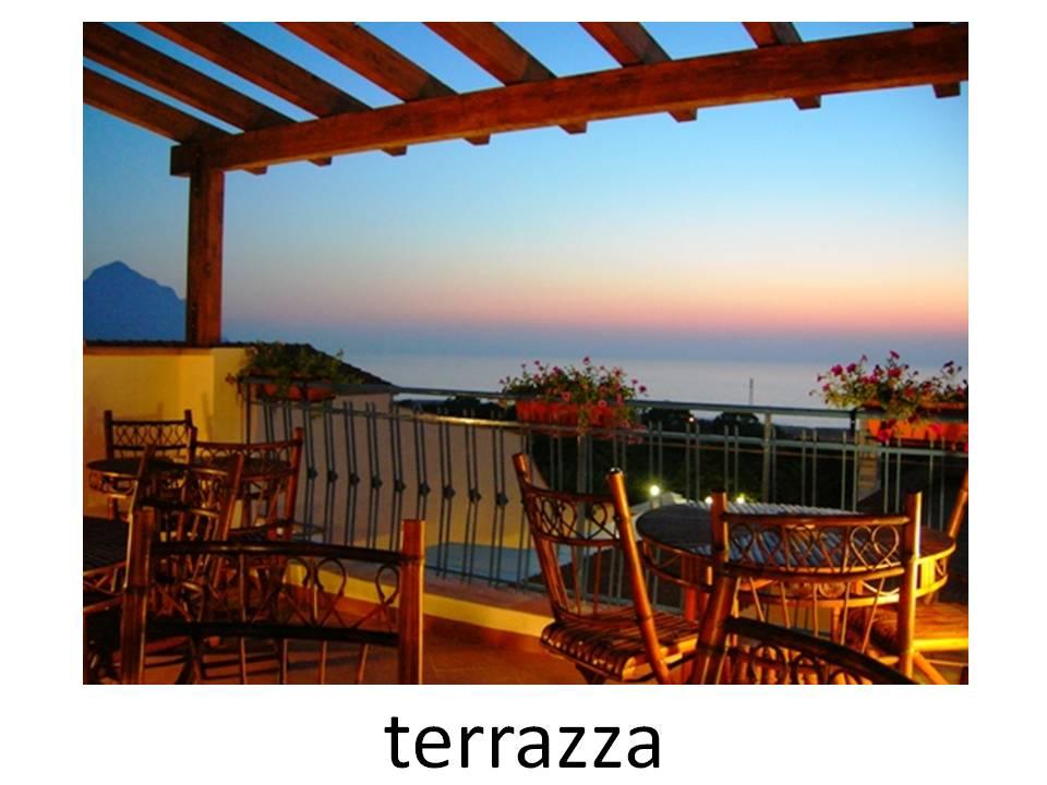 la differenza tra balcone terrazza e veranda italia in
