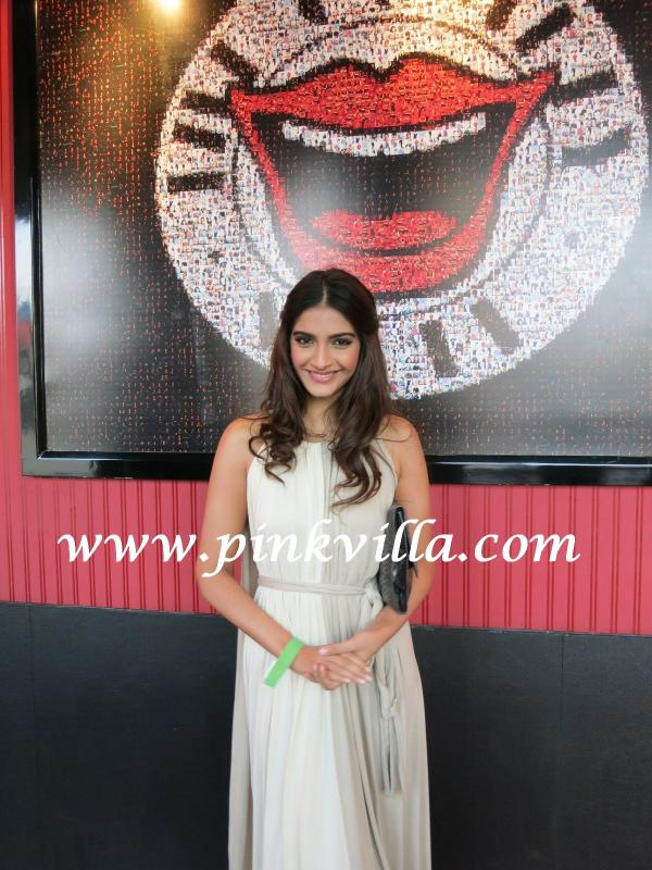  Sonam Kapoor in white gown at ghanta awards -  Sonam Kapoor at the Ghanta Awards 2012