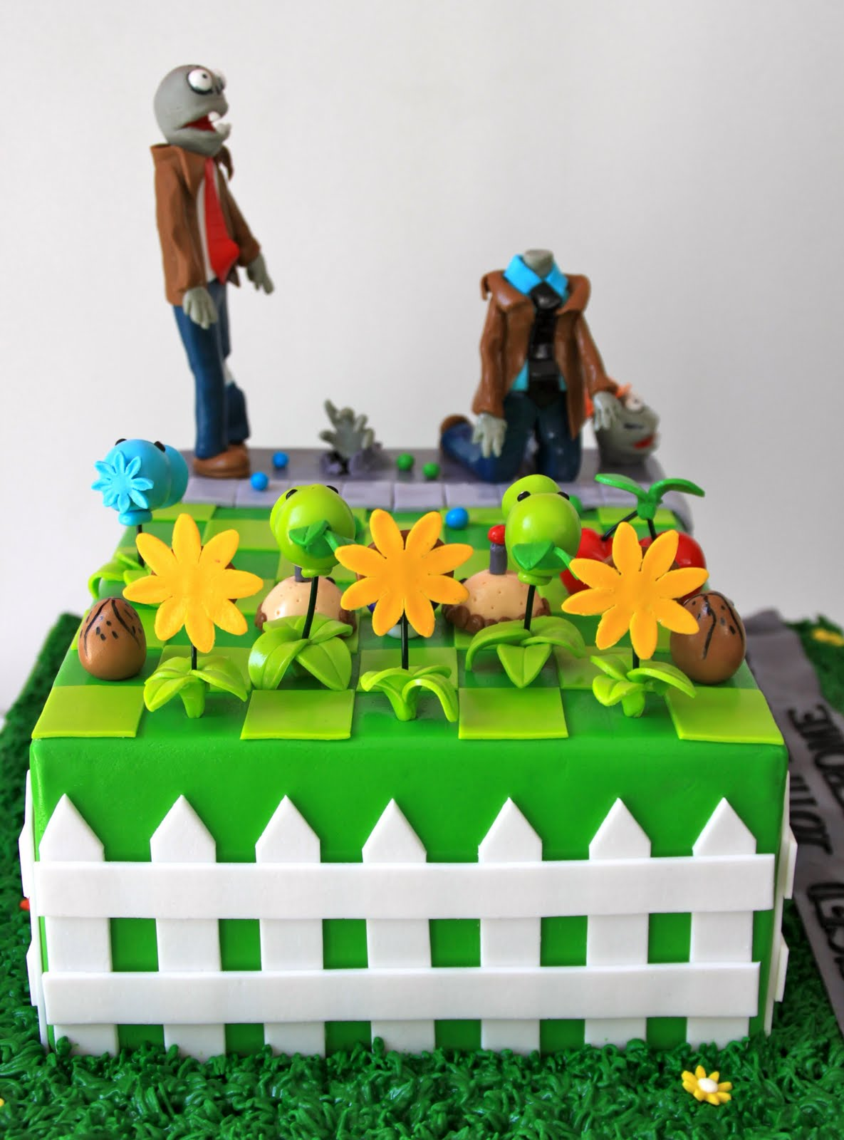 Celebrate With Cake Plants Vs Zombies Cake
