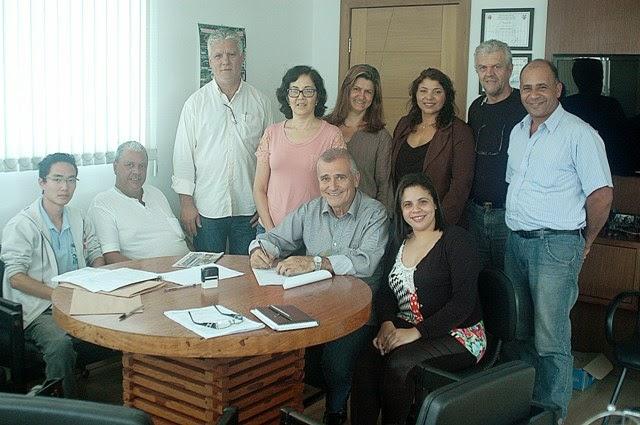 Prefeito de Juquiá, Merce Hojeije e COOPAFARGA assinam proposta de participação do Programa de Aquisição de Alimentos