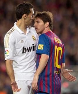 Messi se encara con Arbeloa Real Madrid Barcelona Copa del Rey 2013