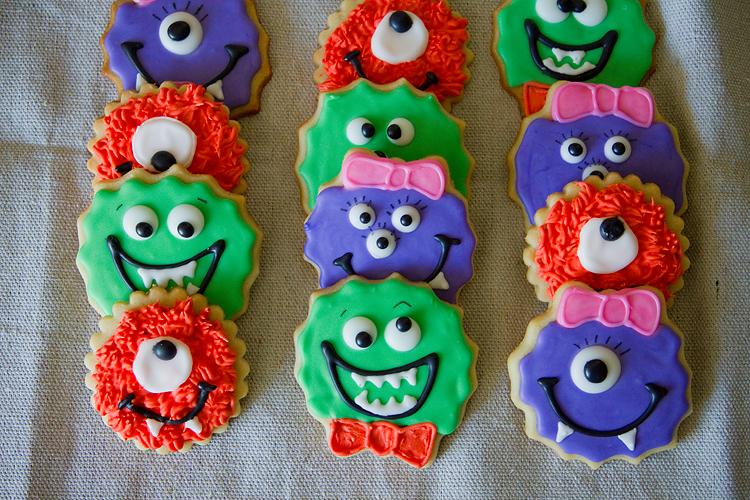 Monster Halloween Cookies: TELL: Monster Cookies!