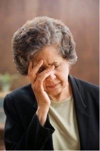 trị bệnh trĩ và táo bón ở người già