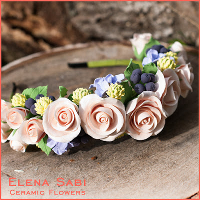 Ободок-веночек с розами