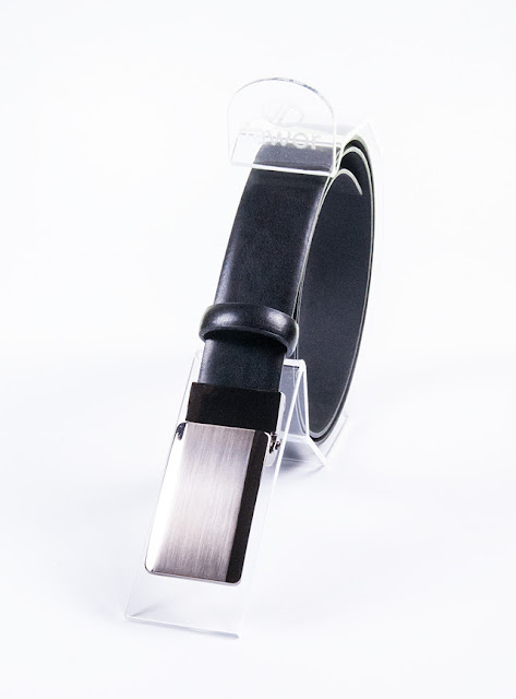 Czarny pasek z włoską klamerką typu blaszka JW05