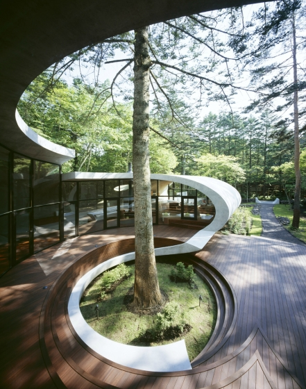 13-Front-Artechnic-Architects-Residential-Architecture-with-the-Shell-House-www-designstack-co