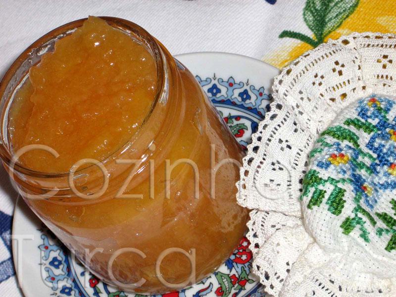 Doce de Marmelo com Cravo-da-índia (Ayva Marmelatı)