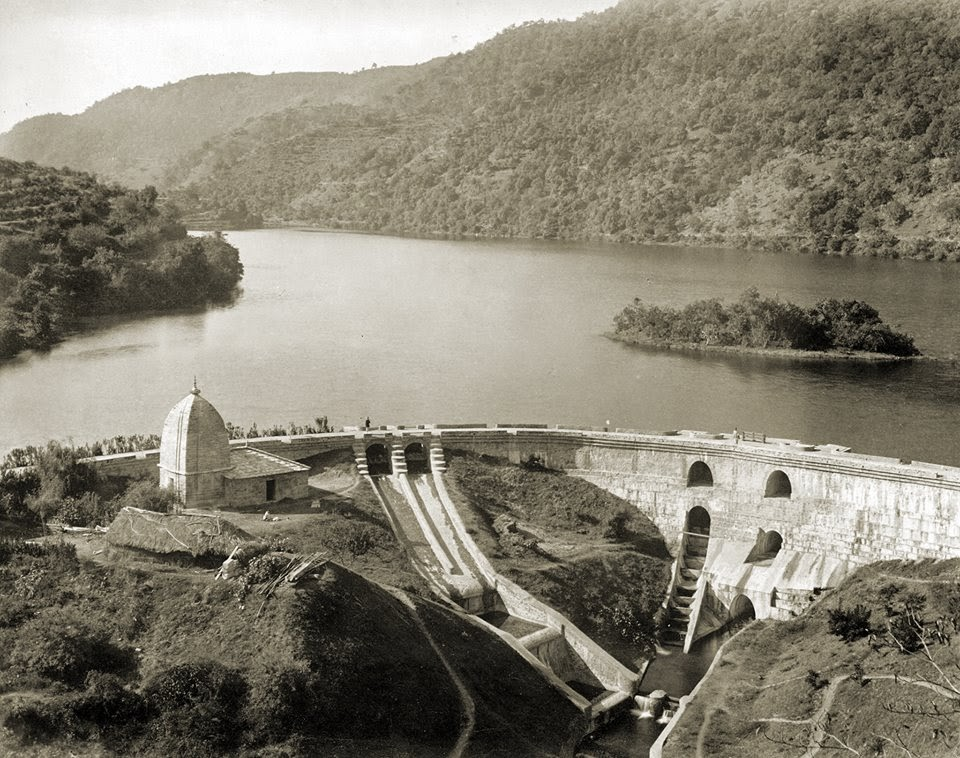 Dam: Bhimtal Lake And Bhim Temple at Bhimtal